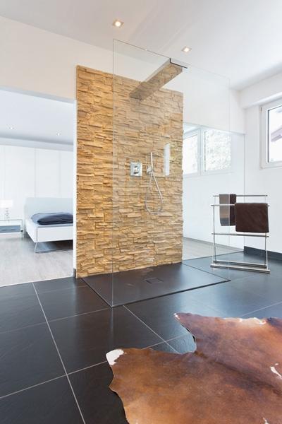 umbau von der backstube zum luxus bad mit angrenzendem schlafzimmer. Black Bedroom Furniture Sets. Home Design Ideas