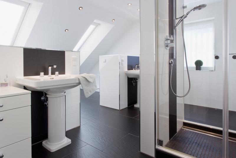 umbau und modernisierung inkl einbau von dachgauben. Black Bedroom Furniture Sets. Home Design Ideas